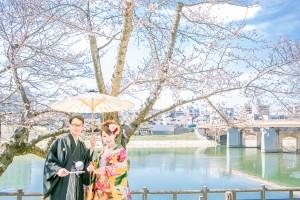 岡山倉敷で前撮り別撮りならNEMURAFILMS後楽園和装前撮り桜と青空