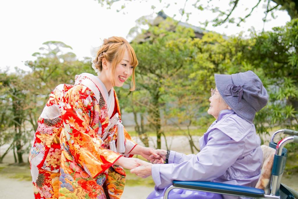 岡山倉敷で前撮り別撮りならNEMURAFILMS後楽園和装前撮り桜おばあちゃんと2
