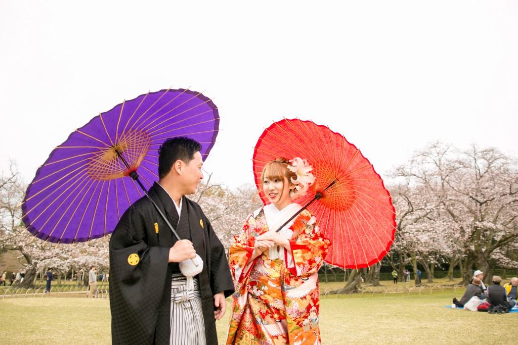 岡山倉敷で前撮り別撮りならNEMURAFILMS後楽園和装前撮り和傘歩いてもらうとさらに自然