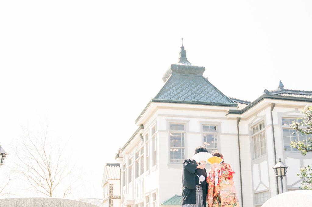 岡山の前撮りカメラマンがこっそり教える大人気桜前撮りスタジオの選び方カメラマンから選ぶ前撮りスタジオの選び方口コミを確認する1-7